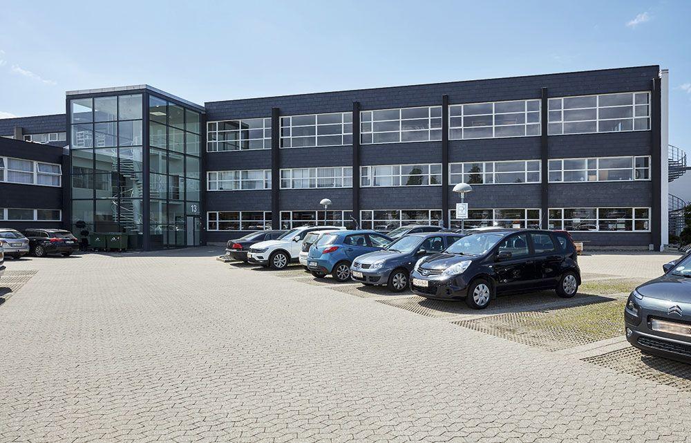 smedeland 13 glostrup hovedindgang parkering facade