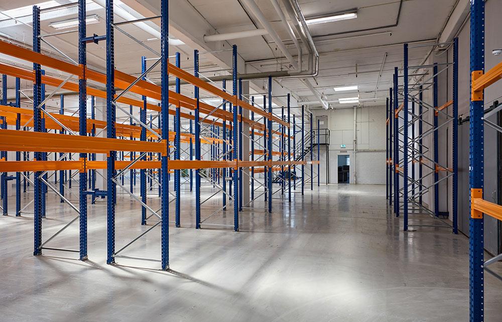 1600 m² lager med køl/frys